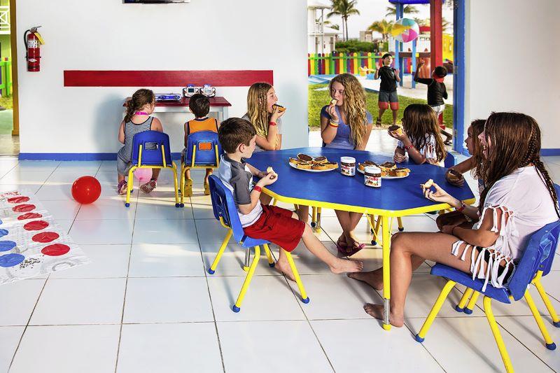 BAHSJVWF_club-enfants-sejours-viva-wyndham-fortuna-beach-bahamas-tui