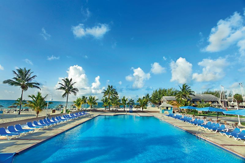 BAHSJVWF_piscine-sejours-viva-wyndham-fortuna-beach-bahamas-tui