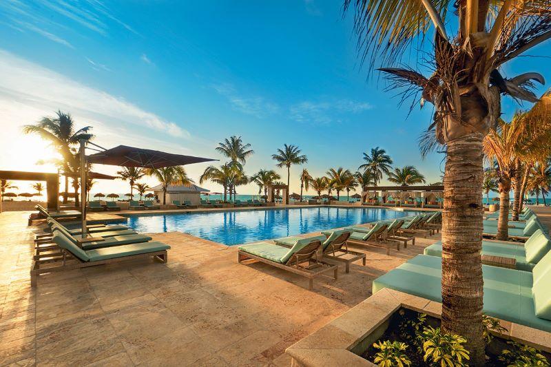 BAHSJVWF_piscine-viva-wyndham-fortuna-beach-sejours-bahamas-tui